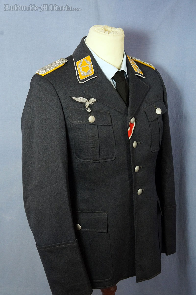 1557a3fdcbe Luftwaffe Service tunic for a Major of Flight